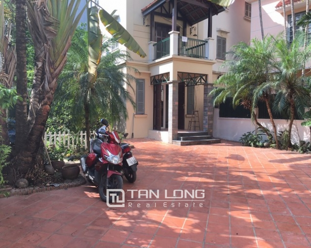 Spacious villa with 3 storeys, large garden in To Ngoc Van, Tay Ho for rent 4