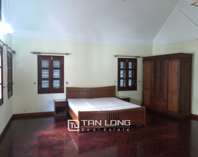 Spacious villa with 3 storeys, large garden in To Ngoc Van, Tay Ho for rent 2