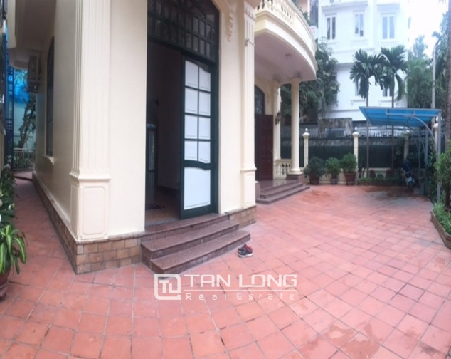 Spacious villa with garden and pool rental in Tay Ho street, Hanoi. 1