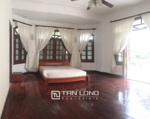 Spacious villa with garden and pool rental in Tay Ho street, Hanoi. 8