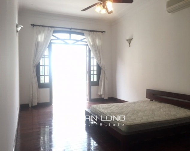 Spacious villa with garden and pool rental in Tay Ho street, Hanoi. 2