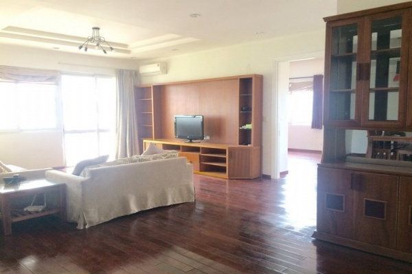 Spaciously renovated 3 bedroom apartment for rent in E4 tower Ciputra Tay Ho district