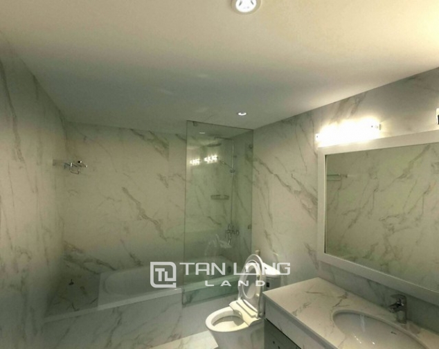 Splendid 2 bedroom apartment for rent in D.leroisolei Xuan Dieu street, Tay Ho district 5