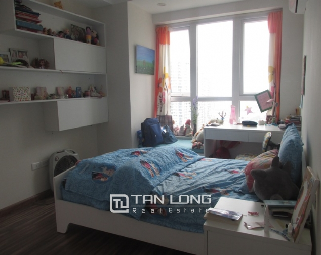 Splendid 3 bedroom apartment in N04 Hoang Dao Thuy for sale, full furniture 7