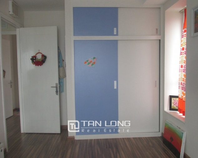 Splendid 3 bedroom apartment in N04 Hoang Dao Thuy for sale, full furniture 8