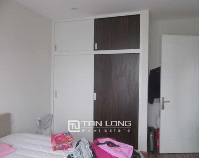 Splendid 3 bedroom apartment in N04 Hoang Dao Thuy for sale, full furniture 4