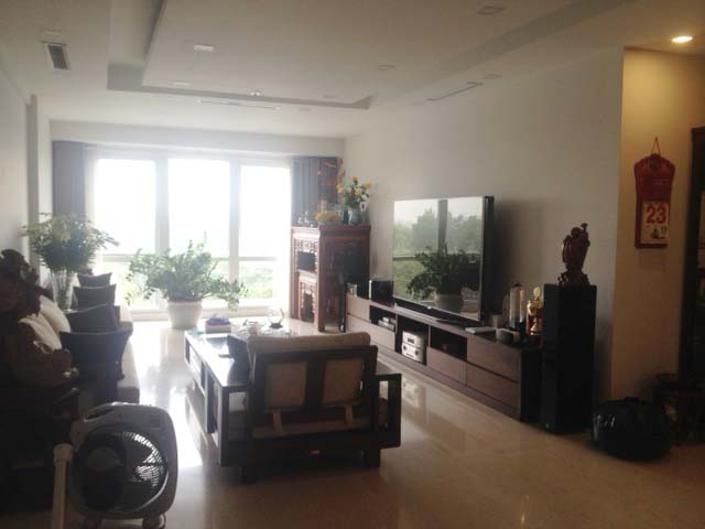 Splendid 3 bedroom apartment with full furniture P1 Ciputra Hanoi for sale