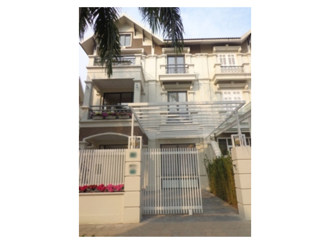 Splendid 3 storey, 4 bedroom villa for rent in T3 Ciputra, Hanoi