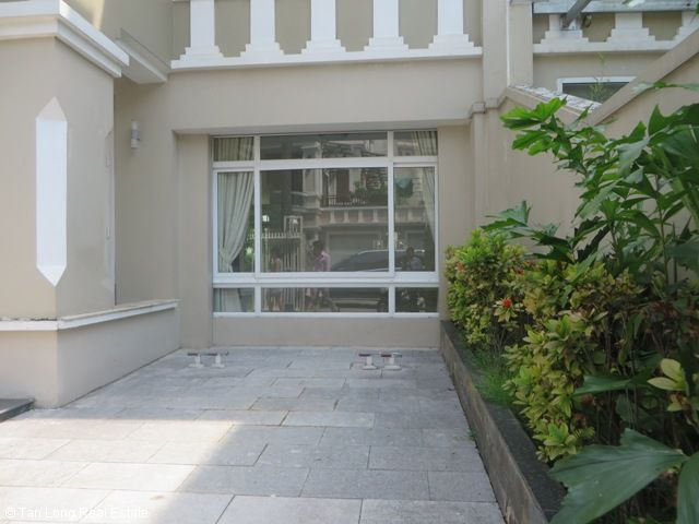 Splendid 3 storey, 4 bedroom villa for rent in T3 Ciputra, Hanoi 2