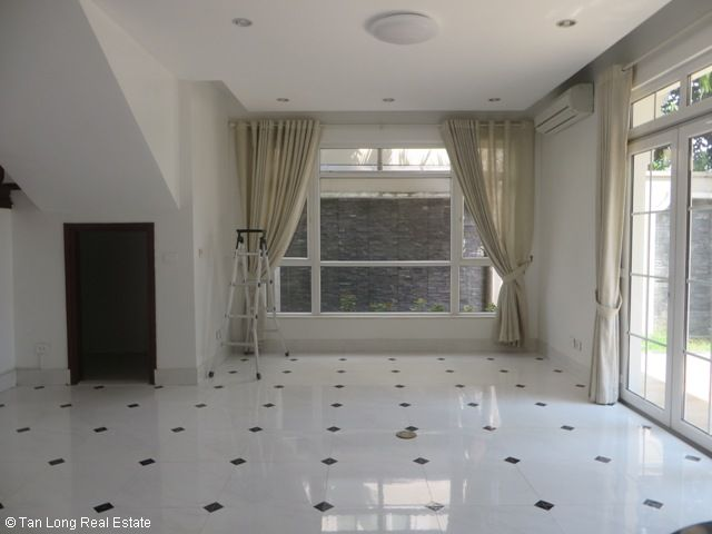 Splendid 3 storey, 4 bedroom villa for rent in T3 Ciputra, Hanoi 6