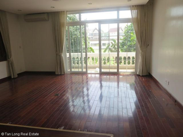 Splendid 3 storey, 4 bedroom villa for rent in T3 Ciputra, Hanoi 9