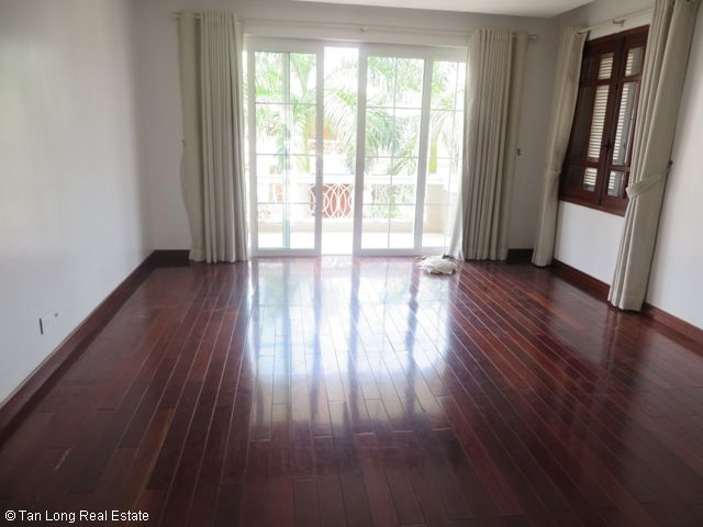 Splendid 3 storey, 4 bedroom villa for rent in T3 Ciputra, Hanoi 3