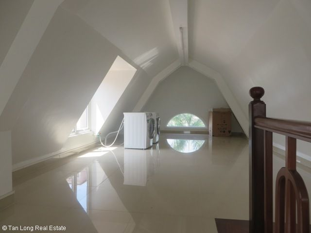Splendid 3 storey, 4 bedroom villa for rent in T3 Ciputra, Hanoi 5