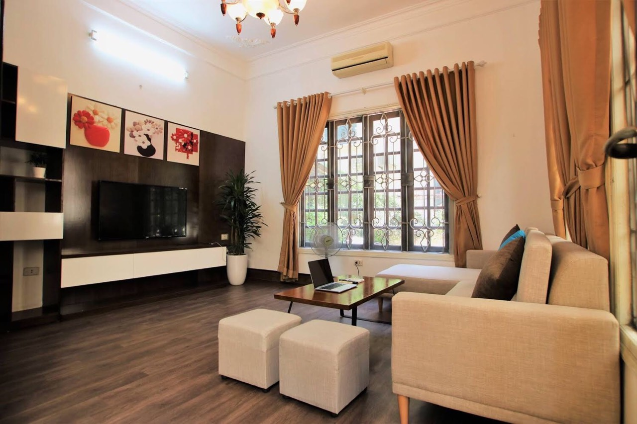 SPLENDID 3-bedroom house for rent in Tay Ho street!