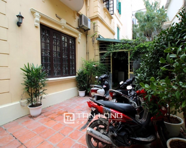 SPLENDID 3-bedroom house for rent in Tay Ho street! 2