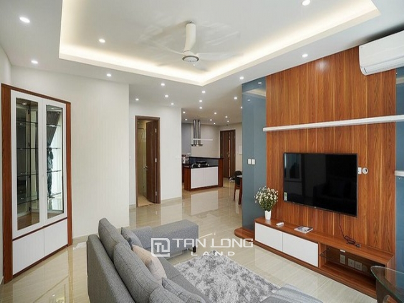 Splendid and golf view  3 bedroom apartment for rent in L3 tower The Link Ciputra 1