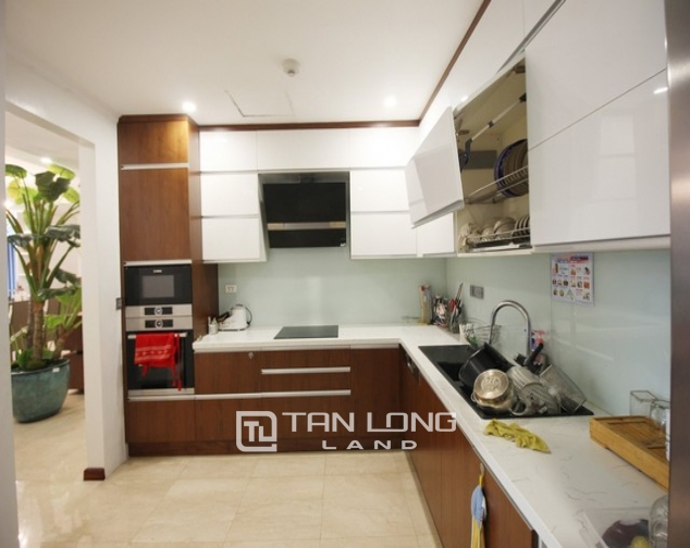 Standard and golfview 4 bedroom apartment 267sqm for rent in L tower Ciputra urban area 5