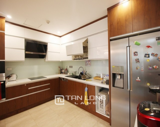 Standard and golfview 4 bedroom apartment 267sqm for rent in L tower Ciputra urban area 6