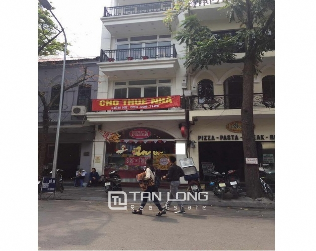 Street house in Nha Tho , Hoan Kiem district, Hanoi for rent 1