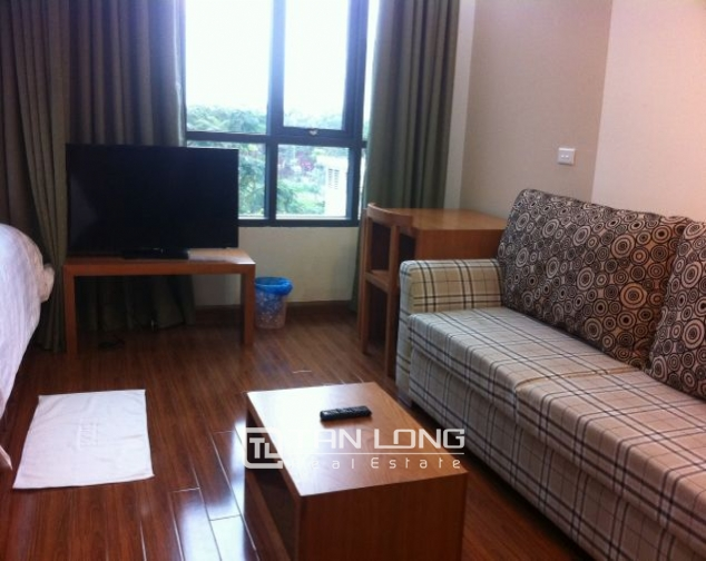 Studio for rent in Cau Giay dist, bright and tidy 1