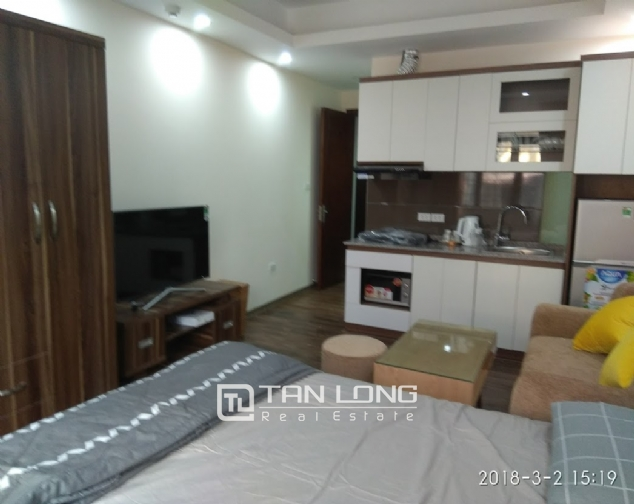 Studio for rent on Huynh Thuc Khang street, Dong Da 1