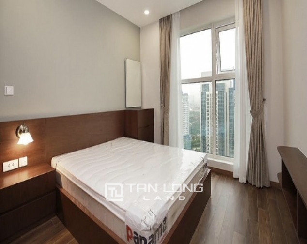 Stunning golf view 3 bedroom apartment for rent in L tower The Link Ciputra 7
