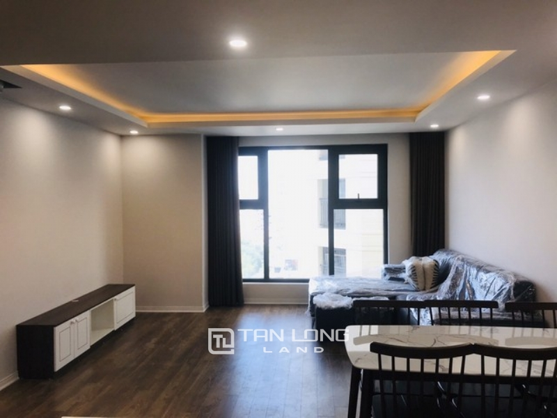 Stunning lakeview 2 bedroom 88sqm apartment for rent in D.leroisolei Xuan Dieu str Tay Ho district 1