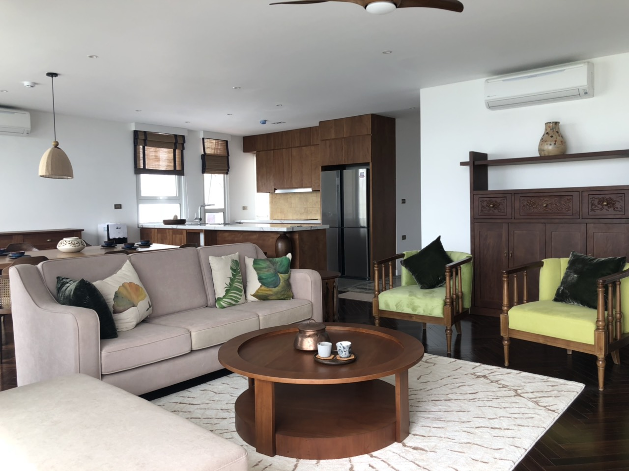 Super awesome apartment for lease in Xom Chua, Dang Thai Mai street, Tay Ho distr