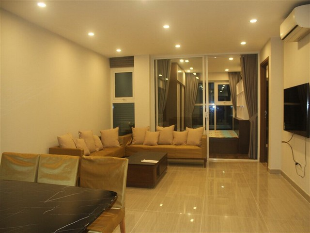 Super brand new and full furnished 3 bedroom apartment for rent in L3 buidling, Ciputra, Ha Noi