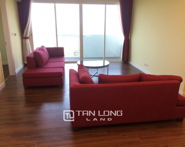 Super bright 3 bedroom apartment on high floor for rent in E1 tower Ciputra 2