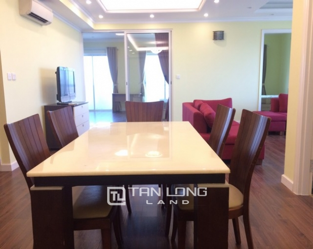 Super bright 3 bedroom apartment on high floor for rent in E1 tower Ciputra 3