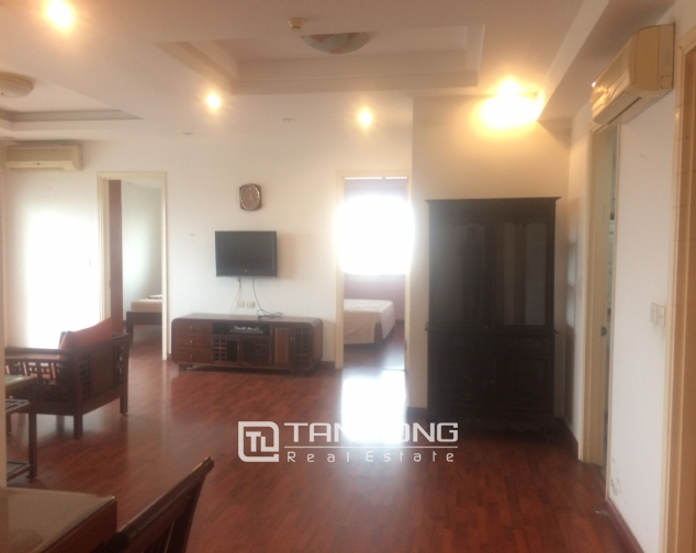 SUPER bright and cozy 4 bedroom apartment for rent with full furnishing in E5 building, Ciputra, Ha Noi 3