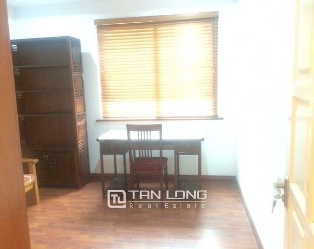 SUPER bright and cozy 4 bedroom apartment for rent with full furnishing in E5 building, Ciputra, Ha Noi 6