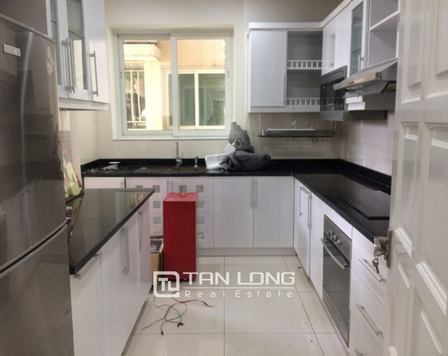 Super new and modern 3 bedroom apartment for rent in E4 buidling, Ciputra, Ha Noi 6
