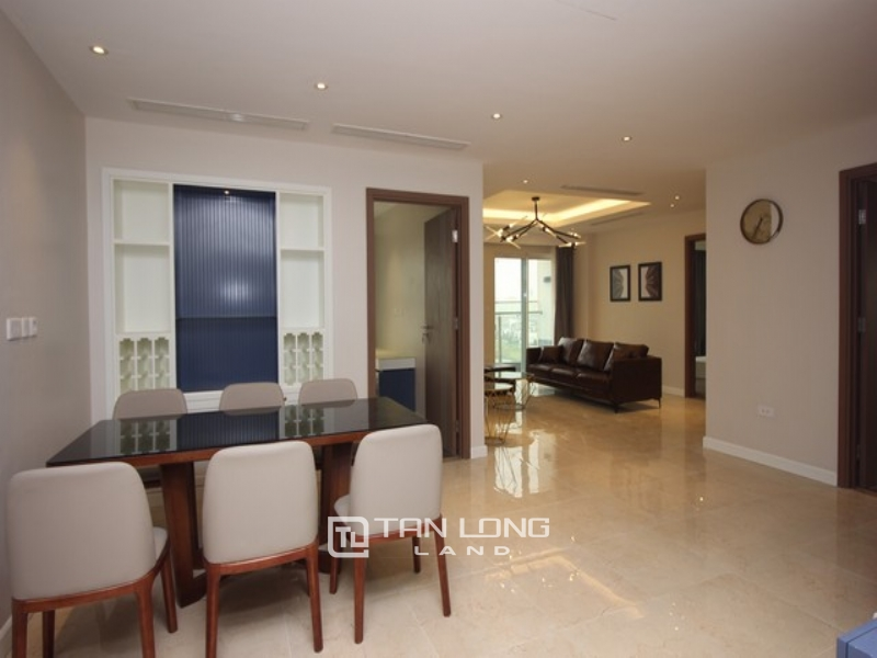 Super newly modern and golf view 3 bedroom apartment for rent in L4 tower The Link Ciputra 1