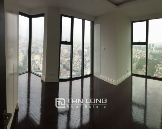 Superb duplex apartment for rent in Hoang Thanh building, Mai Hac De street 6
