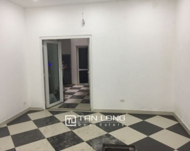 The office building in Tue Tinh street, Hai Ba Trung district for rent 4