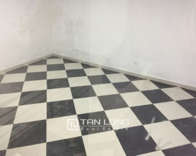 The office building in Tue Tinh street, Hai Ba Trung district for rent 5
