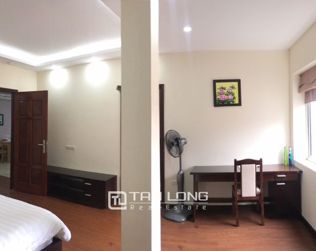 The peaceful apartment in Au Co Street, Tay Ho dist., Hanoi for rent. 4