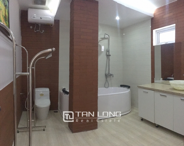 The peaceful apartment in Au Co Street, Tay Ho dist., Hanoi for rent. 9