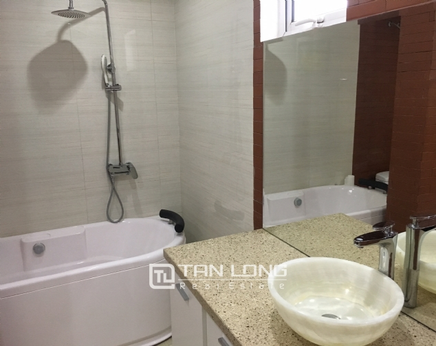 The peaceful apartment in Au Co Street, Tay Ho dist., Hanoi for rent. 10