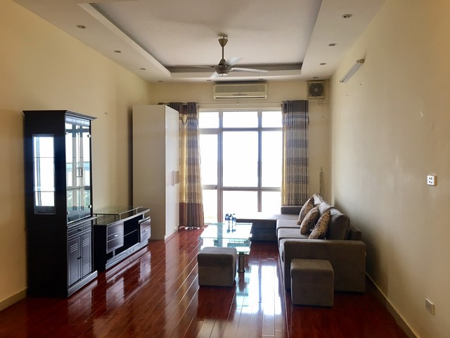 The serviced apartment full furniture for rent in Lac Long Quan street, Tay Ho dist