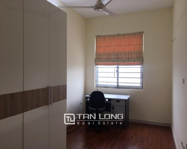 The serviced apartment full furniture for rent in Lac Long Quan street, Tay Ho dist 6