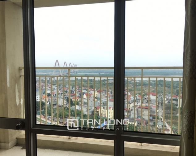 The serviced apartment full furniture for rent in Lac Long Quan street, Tay Ho dist 10