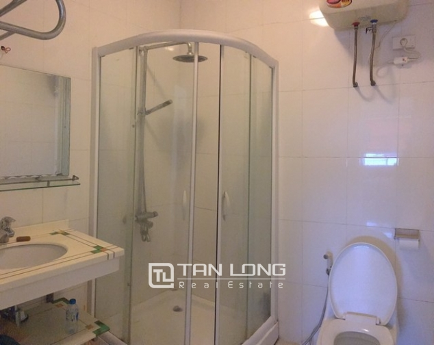 The serviced apartment full furniture for rent in Lac Long Quan street, Tay Ho dist 8
