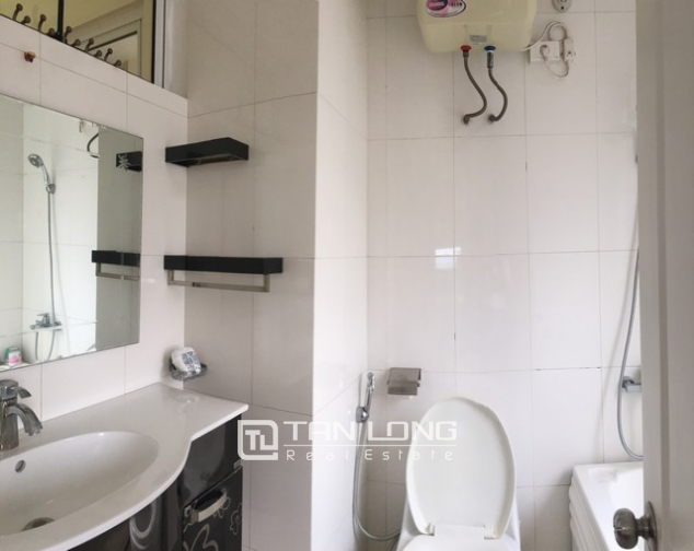 The serviced apartment full furniture for rent in Lac Long Quan street, Tay Ho dist 9
