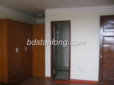 This is nice apartment with balcony face to Westlake 6