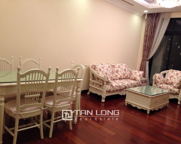 Timber floor 2 bedroom apartment for rent in R2 Vinhomes Royal City, Hanoi 5