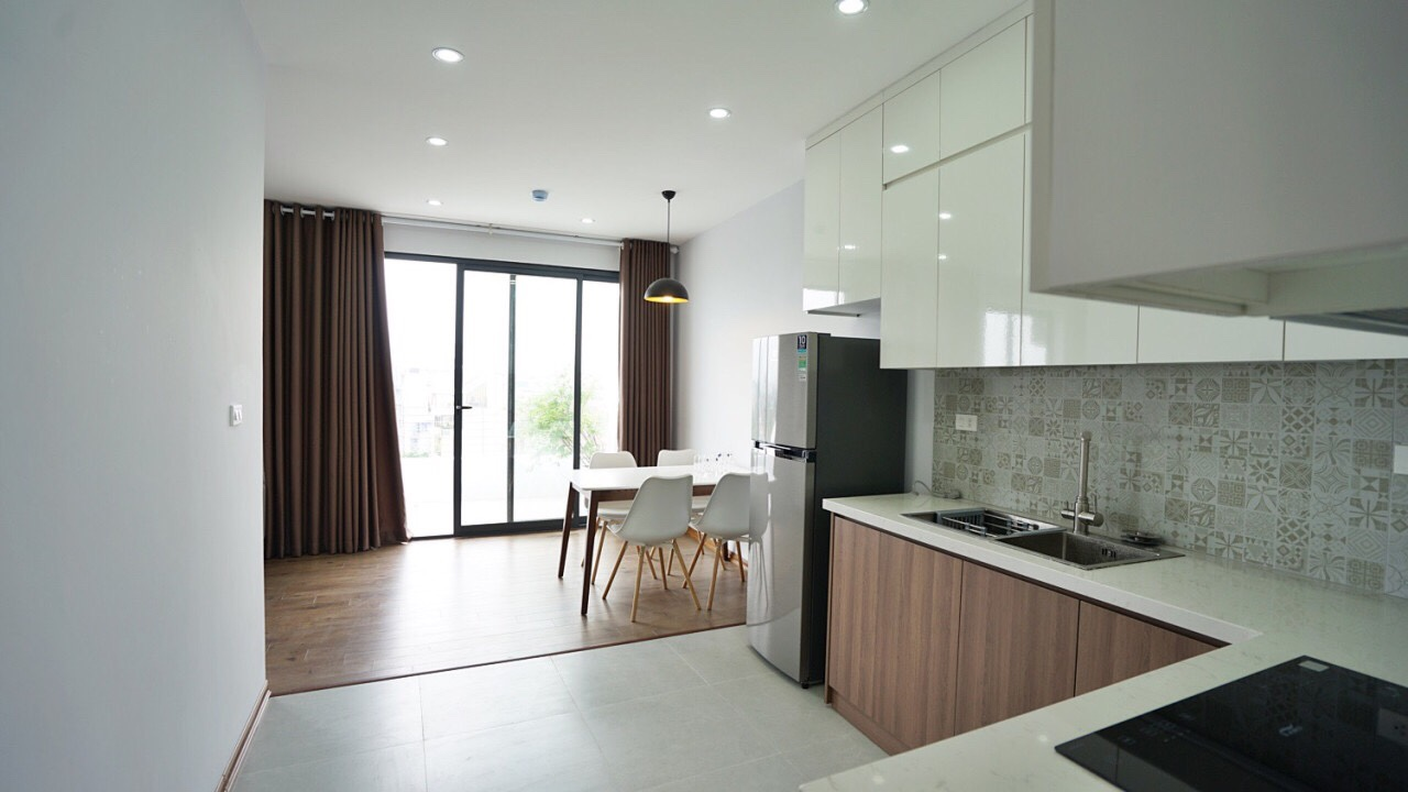 Top-floor apartment for rent on Trinh Cong Son street
