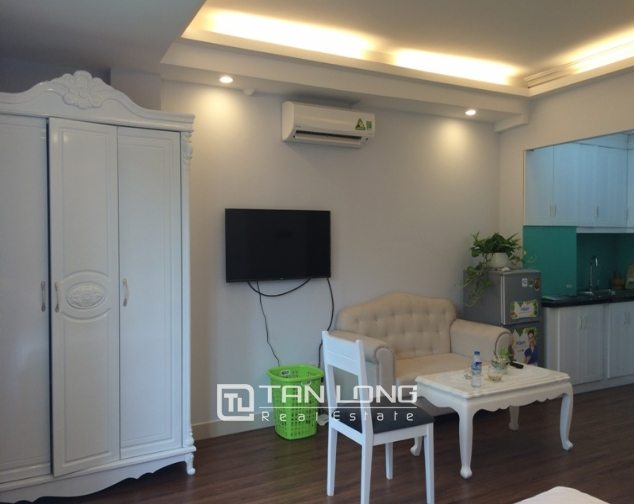 Tranquil 1 bedroom serviced apartment rental in Trung Kinh, Cau Giay, Hanoi 3